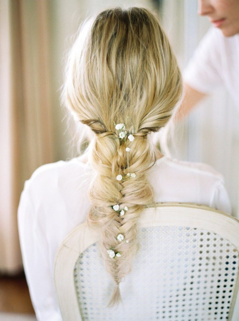 Çiçekli ve Örgülü Saç