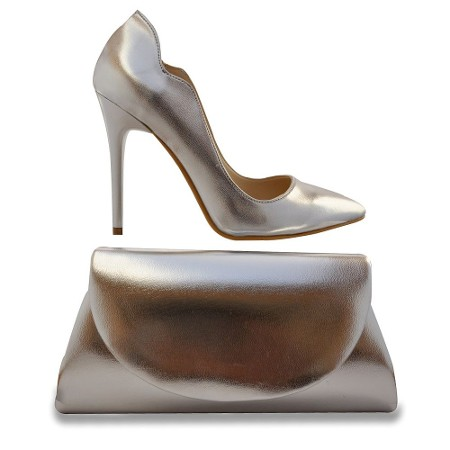gumus-topuklu-ayakkabi