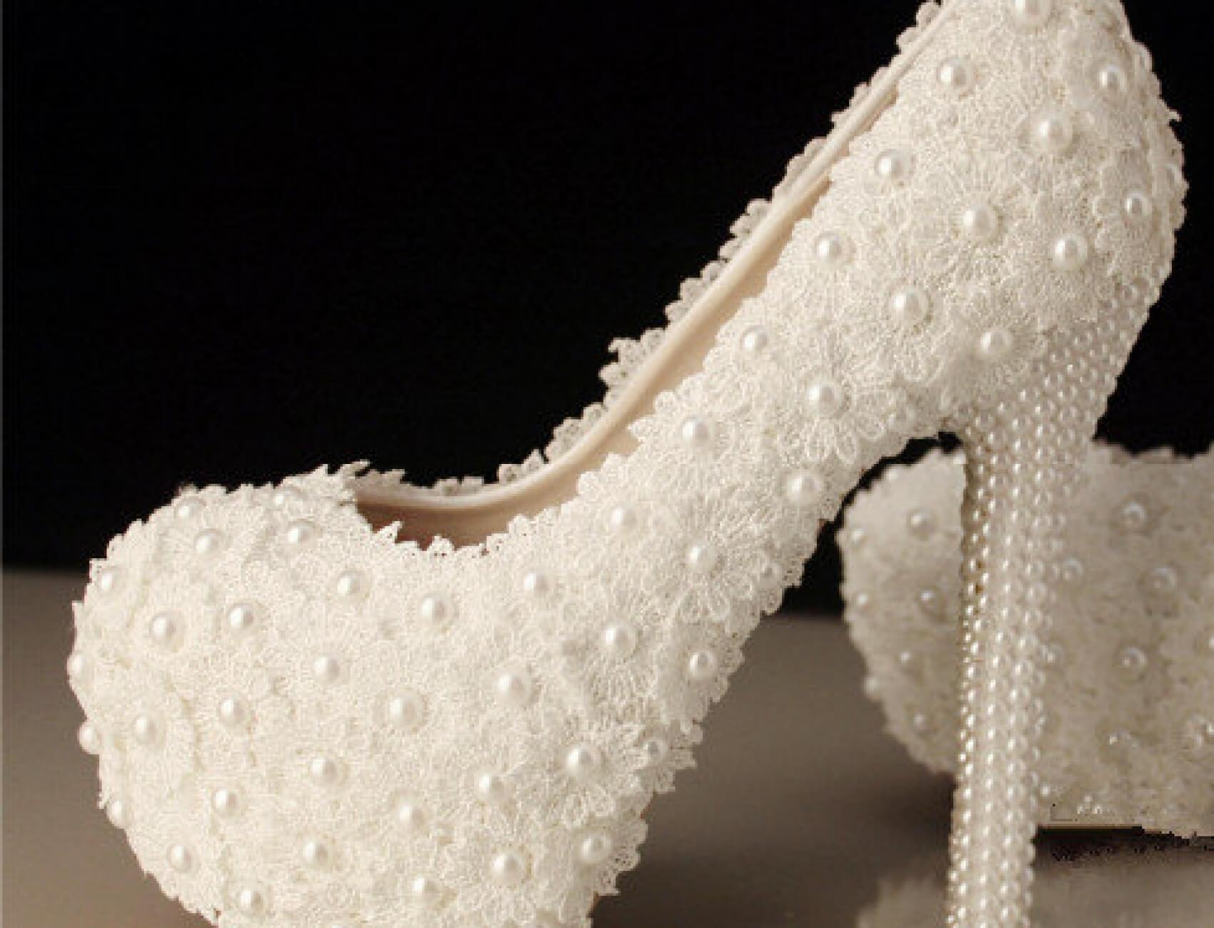 incili-yuksek-topuklu-gelin-ayakkabisi