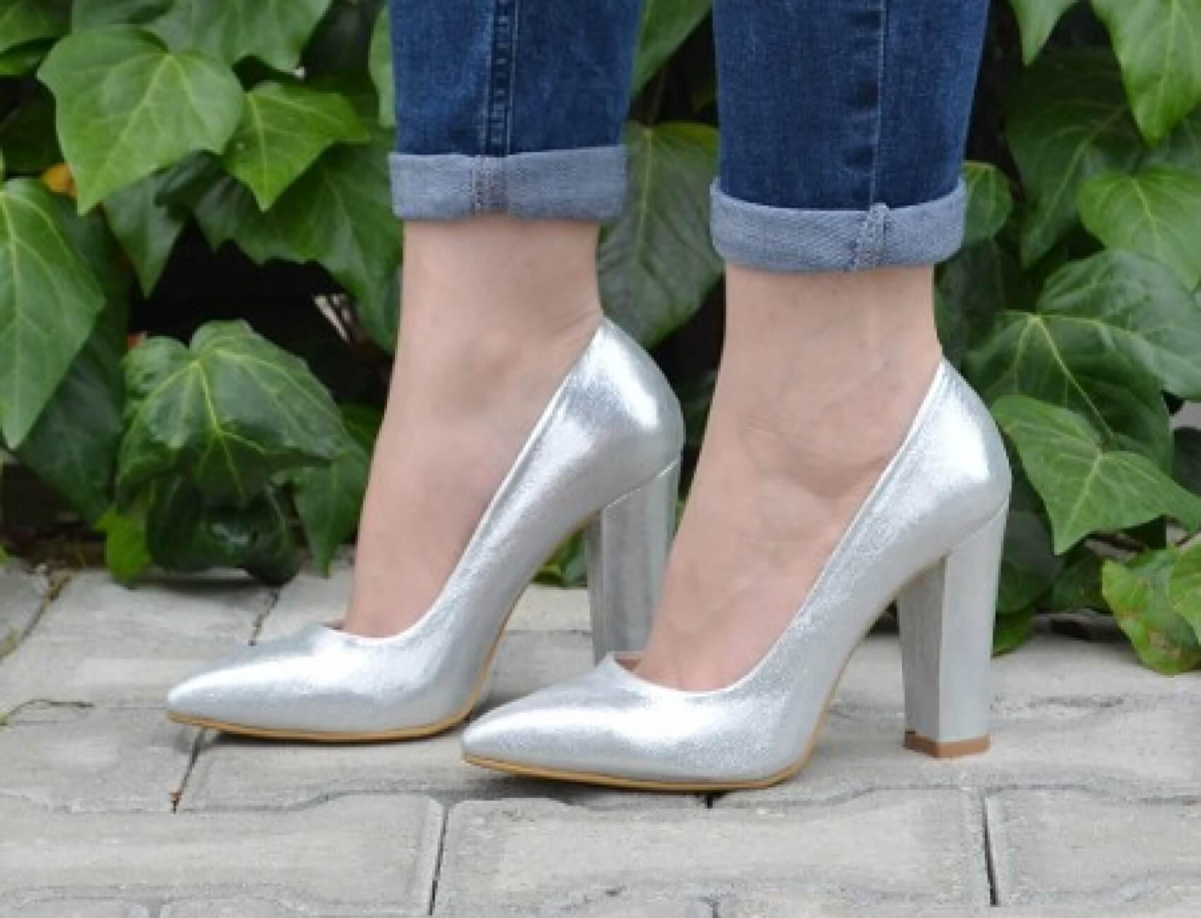 kalın topuklu gumus ayakkabnı nasıl olur