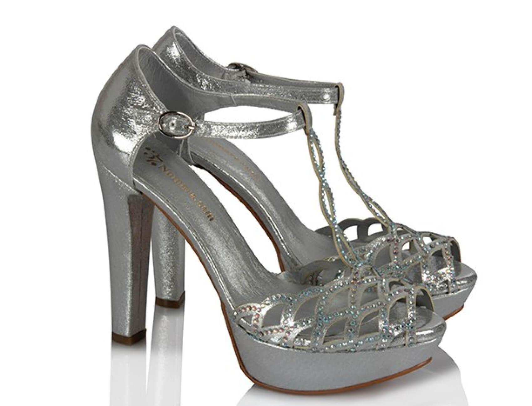 orgu tasli gumus topuklu ayakkabı nasıldır