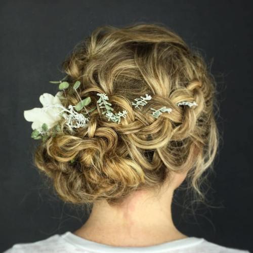 Örgülü Topu Gelin Saçı Modelleri Nasıldır